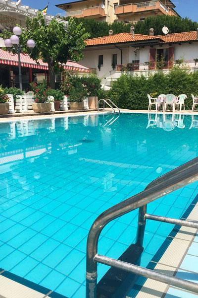 Hotel De Amicis con Piscina
