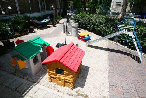 Hotel De Amicis Riccione Zona Bimbi